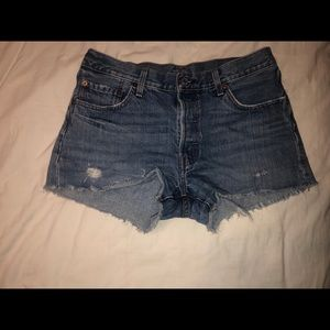levi's high wasted shorts size 29